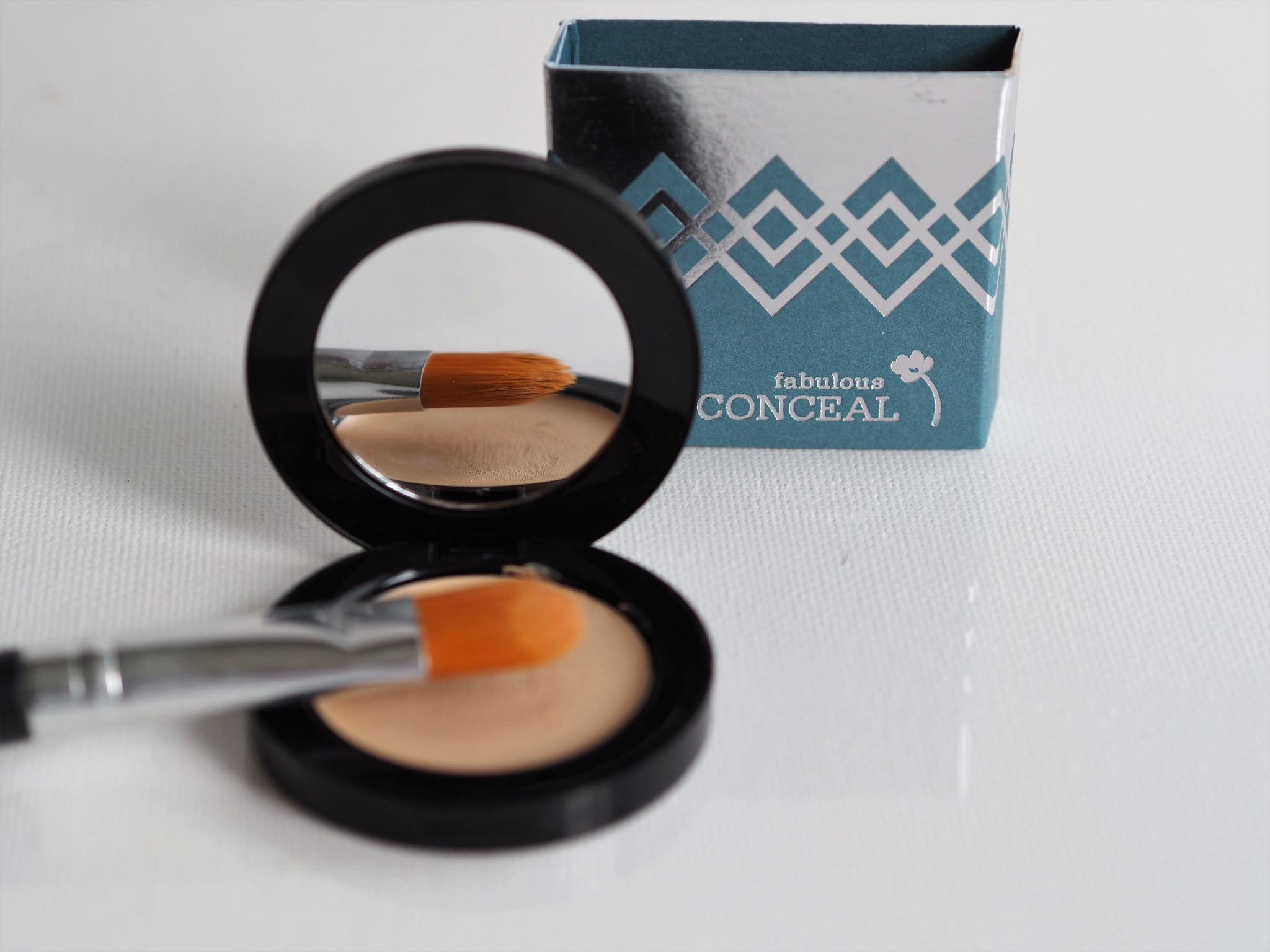 look fabulous forever concealer review