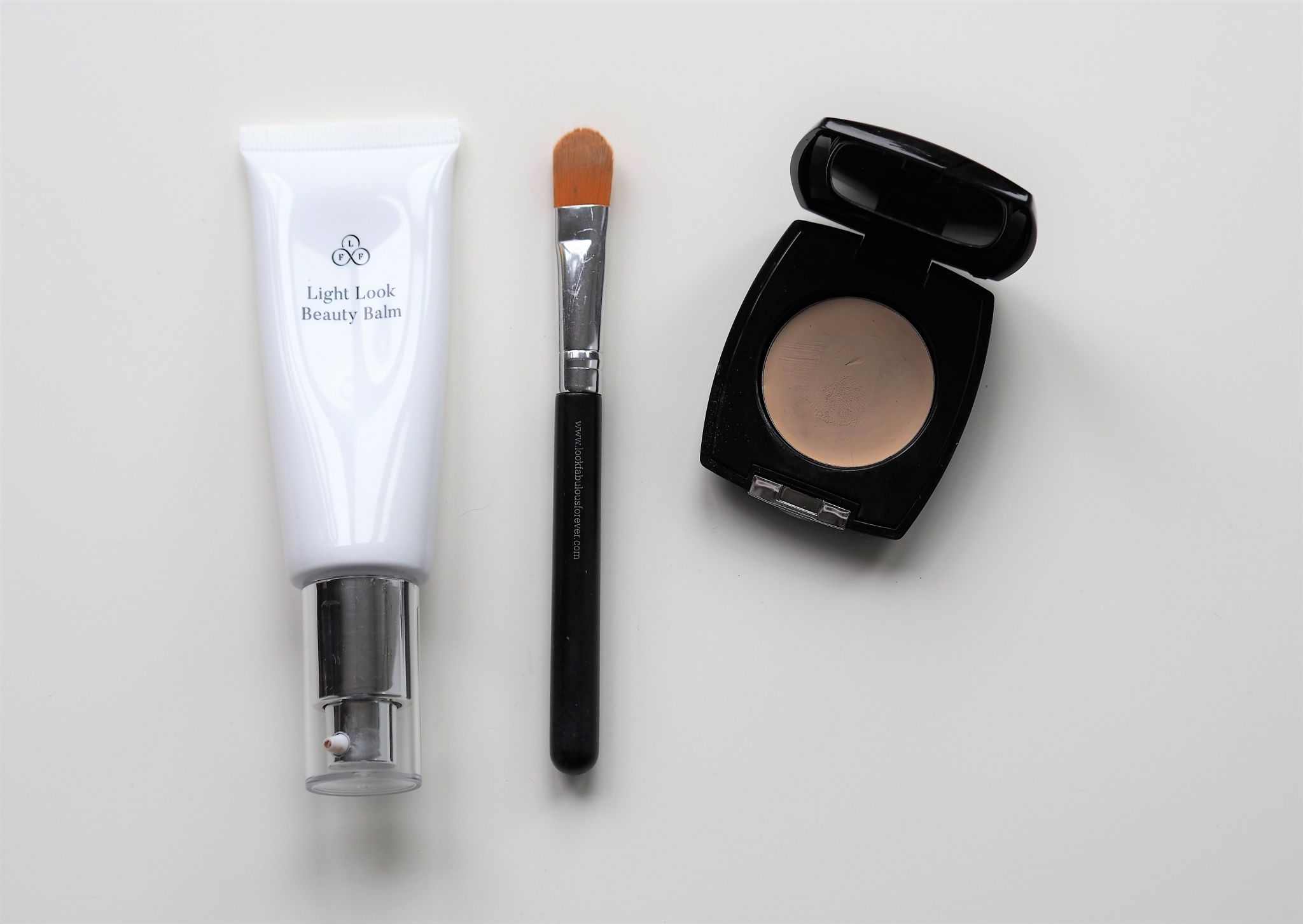 Look Fabulous Forever Light Look Beauty Balm